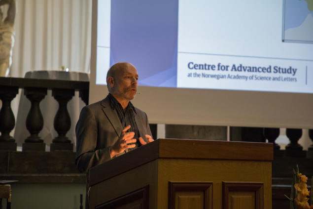 Hans Jacob Orning, professor of history at the University of Oslo, speaks during the opening of the 25th anniversary year at CAS Oslo. Photo: Camilla Kottum Elmar