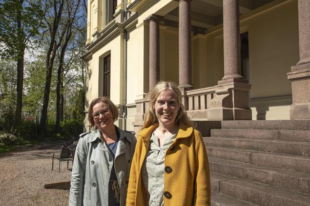 Marianne Bjelland Kartzow, professor of New Testament studies at the University of Oslo (UiO), and Liv Ingeborg Lied, professor of the study of religions at MF Norwegian School of Theology, Religion and Society (MF). Photo: Marit Fiksdal / Centre for Advanced Study (CAS)